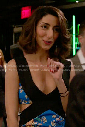 Delia's blue printed dress with side cutouts on Girlfriends Guide to Divorce