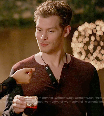 Klaus's red and navy henley tee on The Originals