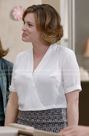 Rebecca's white cropped wrap blouse and flower print pencil skirt on Crazy Ex-Girlfriend