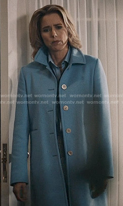 Elizabeth's blue coat on Madam Secretary