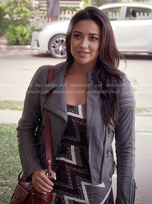 Emily's printed maxi dress and grey leather jacket on Pretty Little Liars
