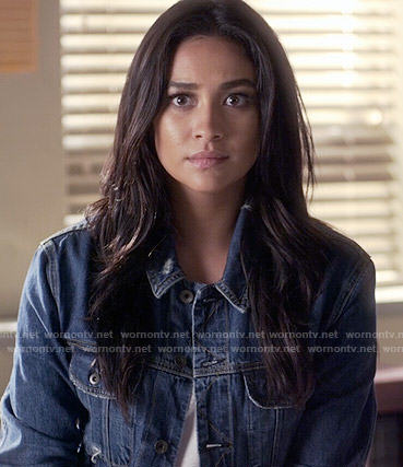 Emily's denim jacket with raw hem on Pretty Little Liars
