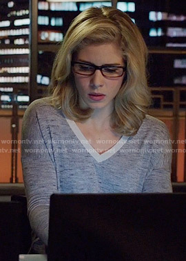 Felicity's grey long sleeve v-neck top with white trim on Arrow