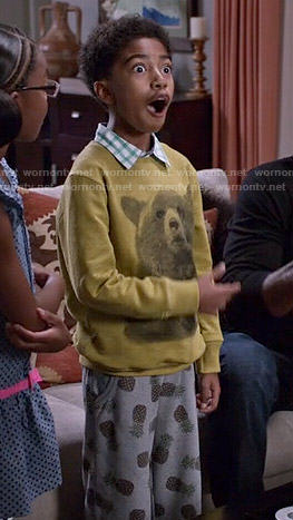 Jack's yellow bear sweater and pineapple print shorts on Black-ish