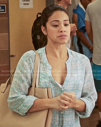 Jane's blue checked blouse on Jane the Virgin