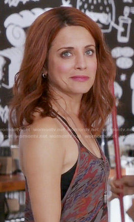 Jo's abstract printed tank top on Girlfriends Guide to Divorce