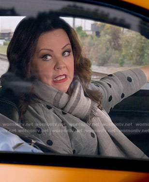 Molly's grey polka dot sweater on Mike and Molly