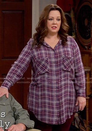 Molly's purple plaid shirt on Mike and Molly