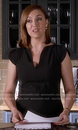 Mrs Hastings black dress on Pretty Little Liars