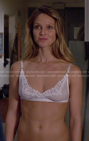 Phoebe's white bra on Girlfriends Guide to Divorce