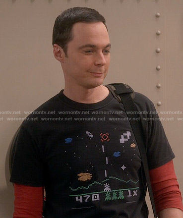 Sheldon's Astrosmash print t-shirt on The Big Bang Theory