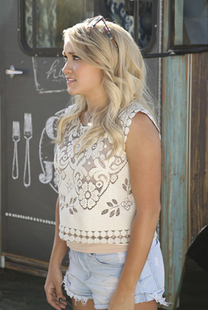 Gabby's white floral lace top on Young and Hungry