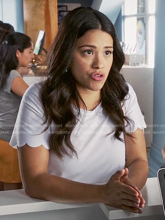 Jane's white scalloped hem top on Jane the Virgin