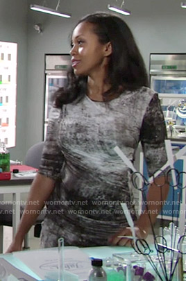 Hilary's graphic print dress on The Young and the Restless