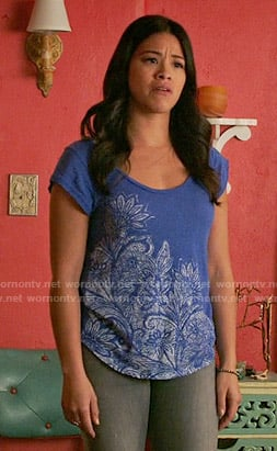 Jane's blue floral tee on Jane the Virgin
