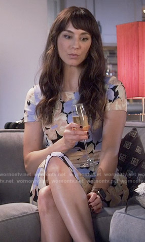 Spencer's pastel floral knee-length dress on Pretty Little Liars