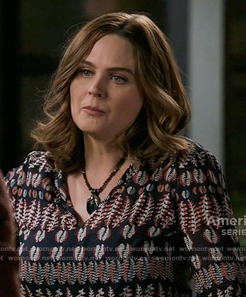 Brennan's leaf print top on Bones