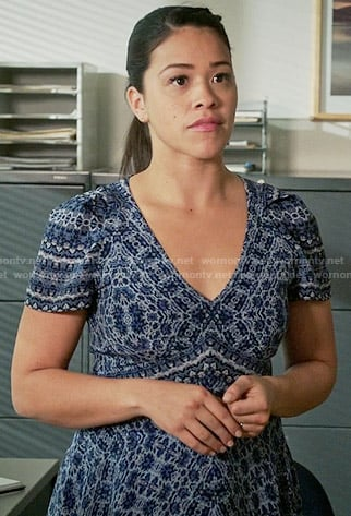 Jane's blue printed v-neck dress on Jane the Virgin