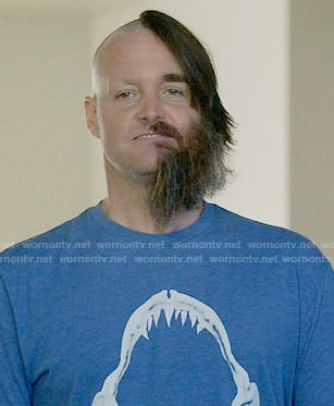 Phil's blue shark jaw graphic tee on Last Man on Earth