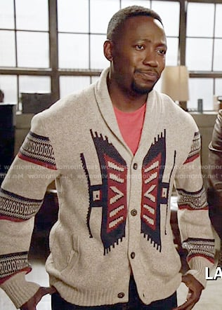 Winston's printed cardigan on New Girl