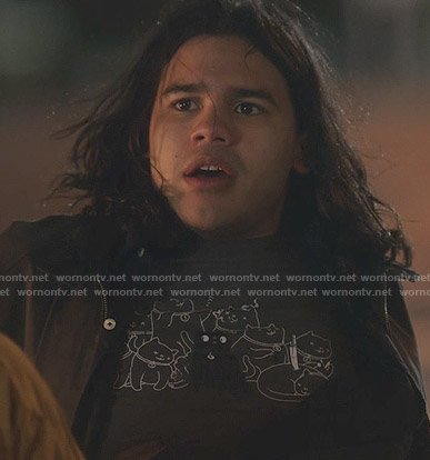 Cisco's cat tee on The Flash