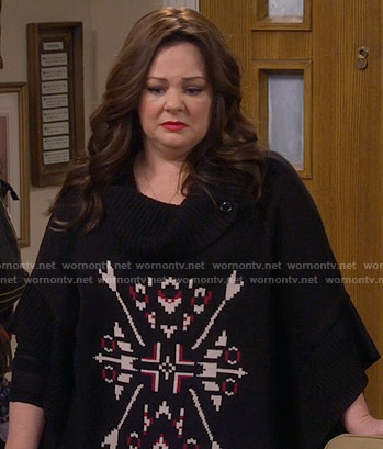 Molly's black printed poncho on Mike and Molly