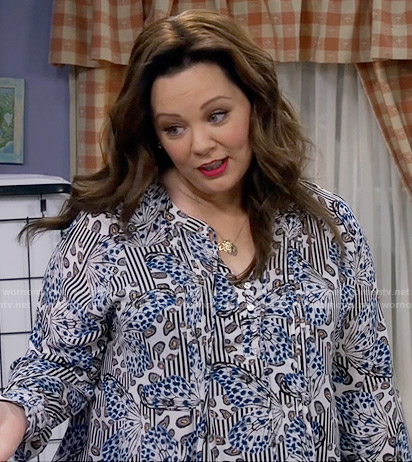 Molly's striped butterfly print blouse on Mike and Molly