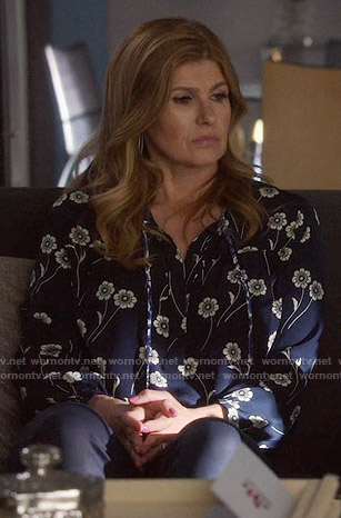 Rayna's blue flower printed blouse on Nashville