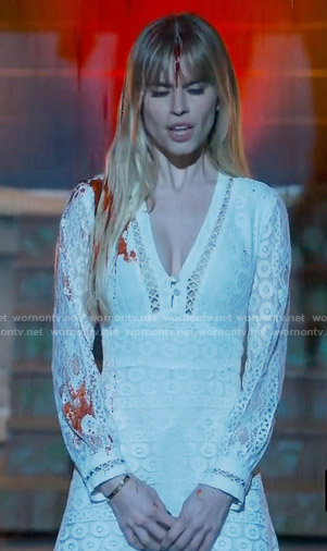Brooke's white lace long sleeved dress on Scream