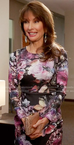 Genevieve's floral long sleeved dress on Devious Maids