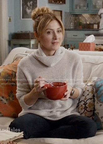 Maura's grey turtleneck sweater on Rizzoli and Isles