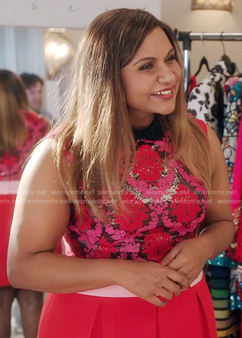 Mindy's pink and red damask print top on The Mindy Project