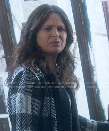 Quinn's black and white checked jacket on Scandal
