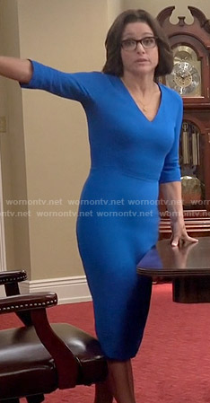 Selina's blue v-neck dress on Veep
