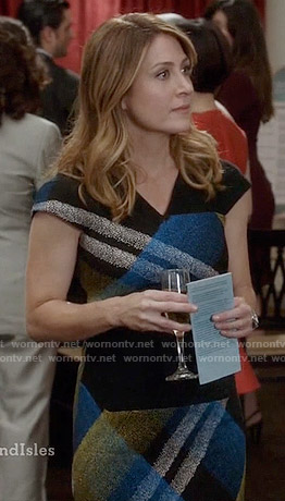 Maura's blue and yellow oversized plaid print dress on Rizzoli and Isles