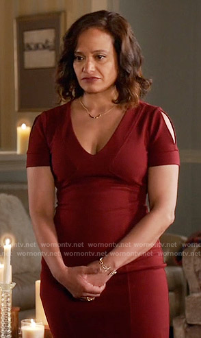 Zoila's burgundy v-neck dress on Devious Maids