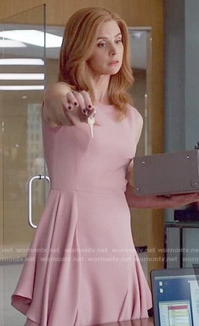 Donna's pink dress with ruffled sides on Suits