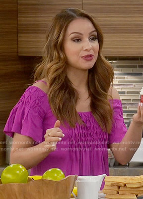 Sofia's pink off shoulder top on Young and Hungry