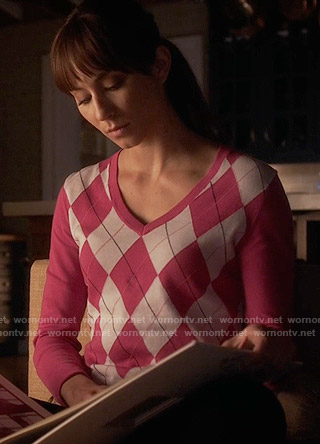 Spencer's pink argyle sweater on Pretty Little Liars