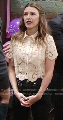 Chloe's beige paisley lace cropped shirt on The Young and the Restless
