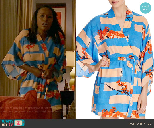 Josie Brushed Flower Happi Printed Robe worn by Aja Naomi King on HTGAWM