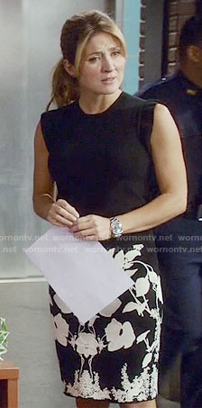 Maura's black and white floral skirt on Rizzoli and Isles