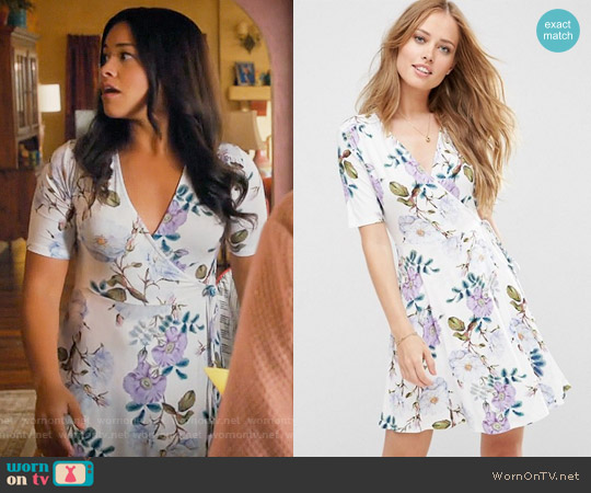 ASOS Wrap Skater Dress In Floral Print worn by Gina Rodriguez on Jane the Virgin