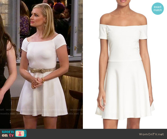 Alice & Olivia Carisi Dress worn by Beth Behrs on 2 Broke Girls