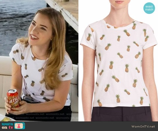 Alice + Olivia Robin Embellished Tee worn by Willa Fitzgerald on Scream