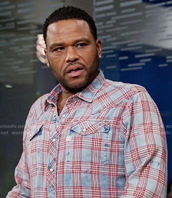 Andre's blue and red checked shirt on Black-ish
