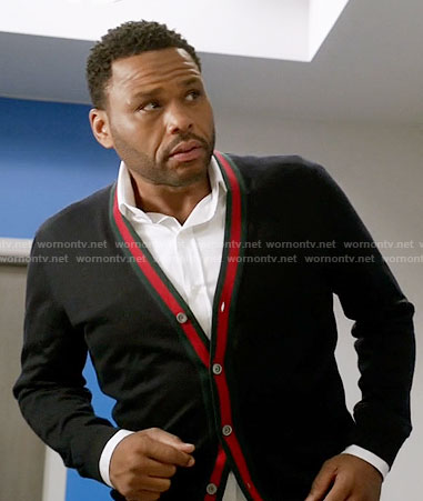 Andre's v-neck cardigan with red trim on Black-ish