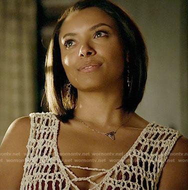 Bonnie's crochet top and triangle necklace on The Vampire Diaries