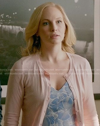 Caroline's blue and white printed v-neck dress on The Vampire Diaries
