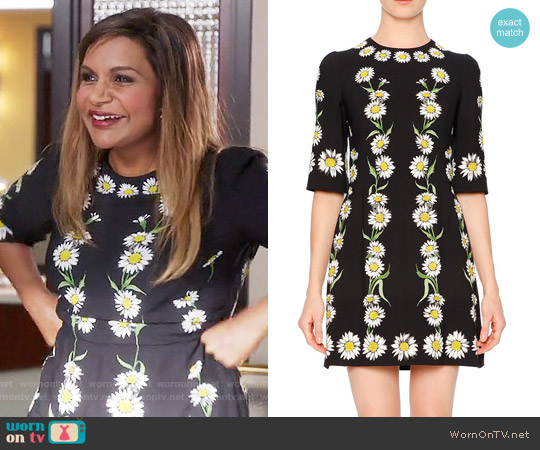 Dolce & Gabbana Elbow-Sleeve Cady Daisy Dress worn by Mindy Kaling on The Mindy Project